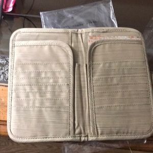 lug Other - Lug travel wallet NWT price firm